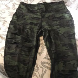 Jessica Simpson the warms up wear